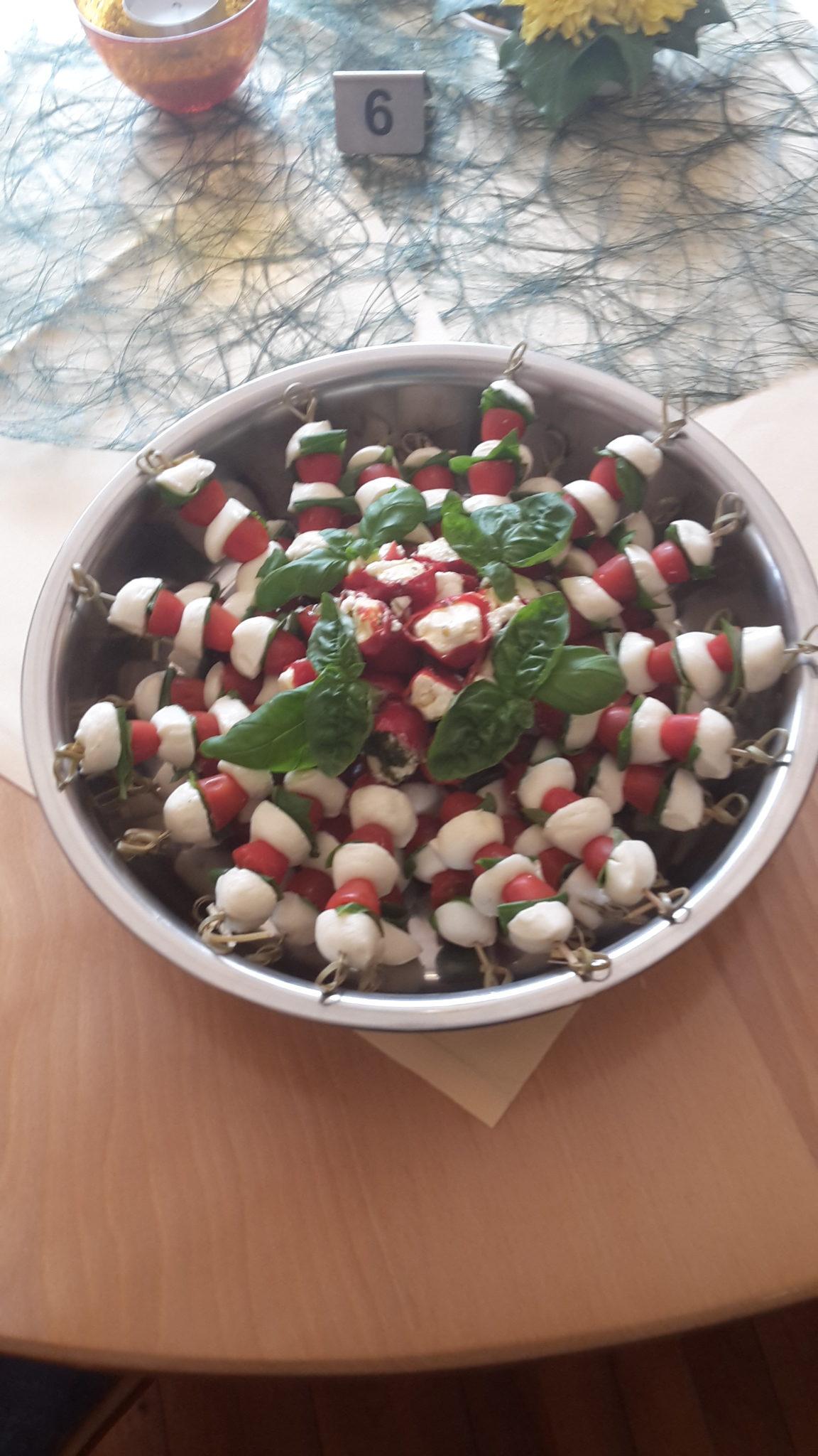 Zum Burghof Partyservice Tomaten Mozzarella Spiesse